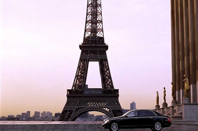 Top 5 reasons to rent a car for your Paris holidays