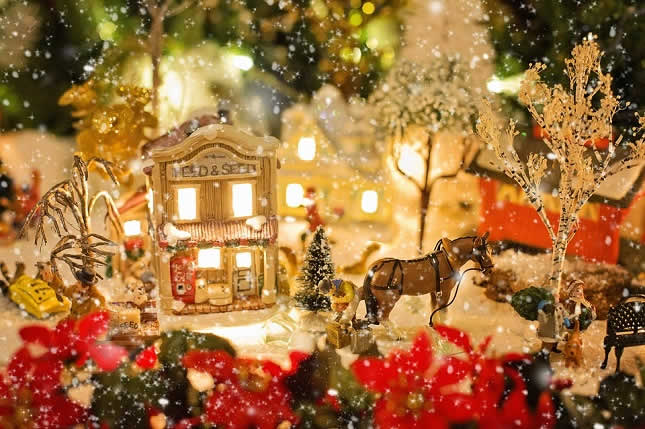 10 Christmas traditions around the world